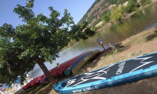 Paddle géant au Lac du Salagou avec Escapéo