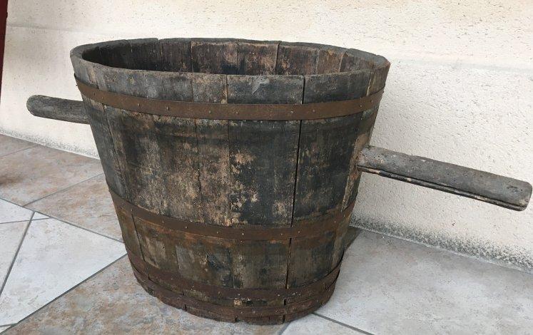 Comporte traditionnelle à la maison des vins de Cadillac, en Gironde