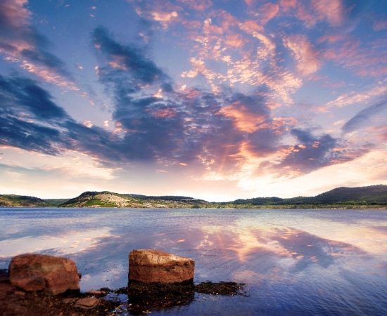 Reflets sur le Lac du Salagou
