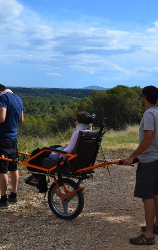 Joelette – transport, activité et sortie pour personne handicapée en Hérault