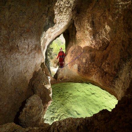 Spéléopark grotte de Clamouse – parcours spéléo entre St-Jean-de-Fos et St-Guilhem-leDésert
