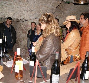 Dégustation des vins de la Capitelle des Salles à la Grotte de Labeil