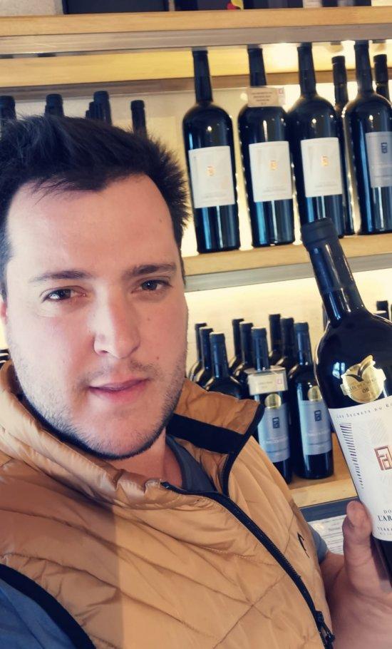 Victor Vassas, vigneron au Domaine de l'Argenteille